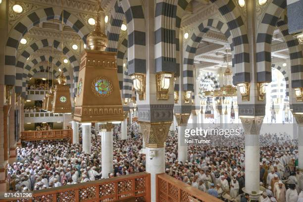 jummah at the prophet's mosque, medina, saudi arabia. - al masjid al nabawi stock pictures, royalty-free photos & images