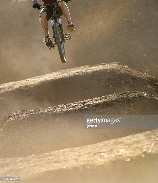 jump - bmx cycling stock pictures, royalty-free photos & images