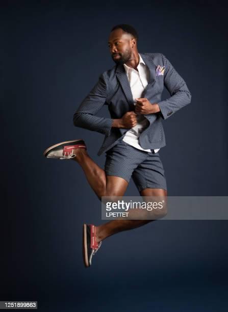 springen - geschäftskleidung stock-fotos und bilder