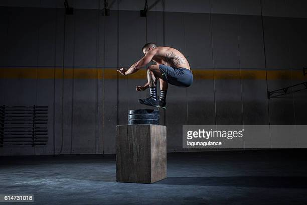 salto a la caja - snatch weightlifting stock photos and pictures