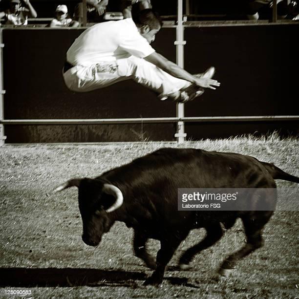 Jumping bullfights