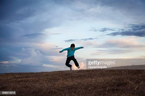 jumping - mjrodafotografia fotografías e imágenes de stock