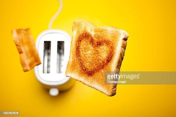 Sauter Toast de pain amour pour la Saint-Valentin