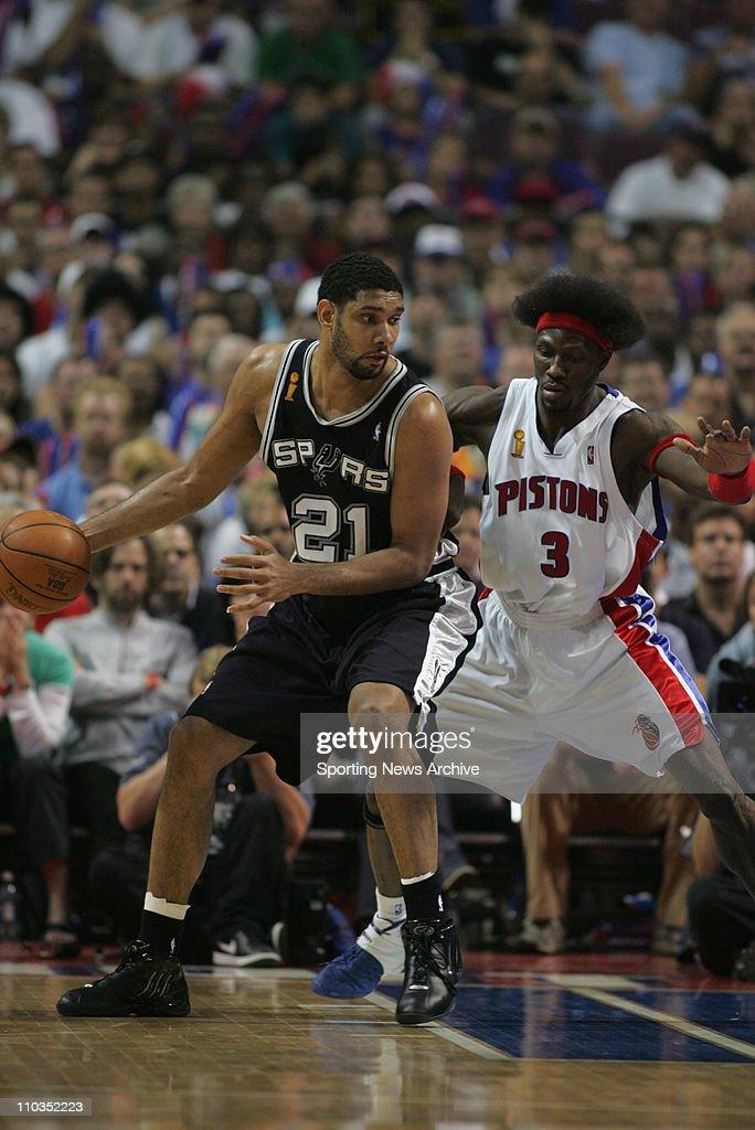 NBA FINALS: Pistons vs Spurs Game 5 : News Photo