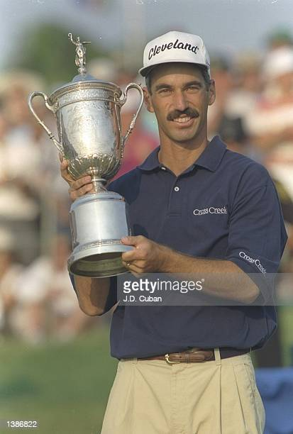 Corey Pavin shows the trophy to the crowd after winning the US Open at Shinnecock Hills in Southampton New York