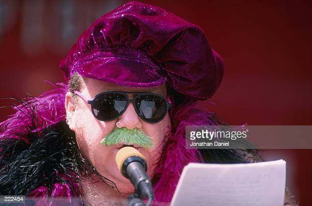 Actor George Wendt particaptes in the Chicago Bulls victory parade celebrating their 1996 NBA Championship in Chicago Illinois Mandatory Credit...