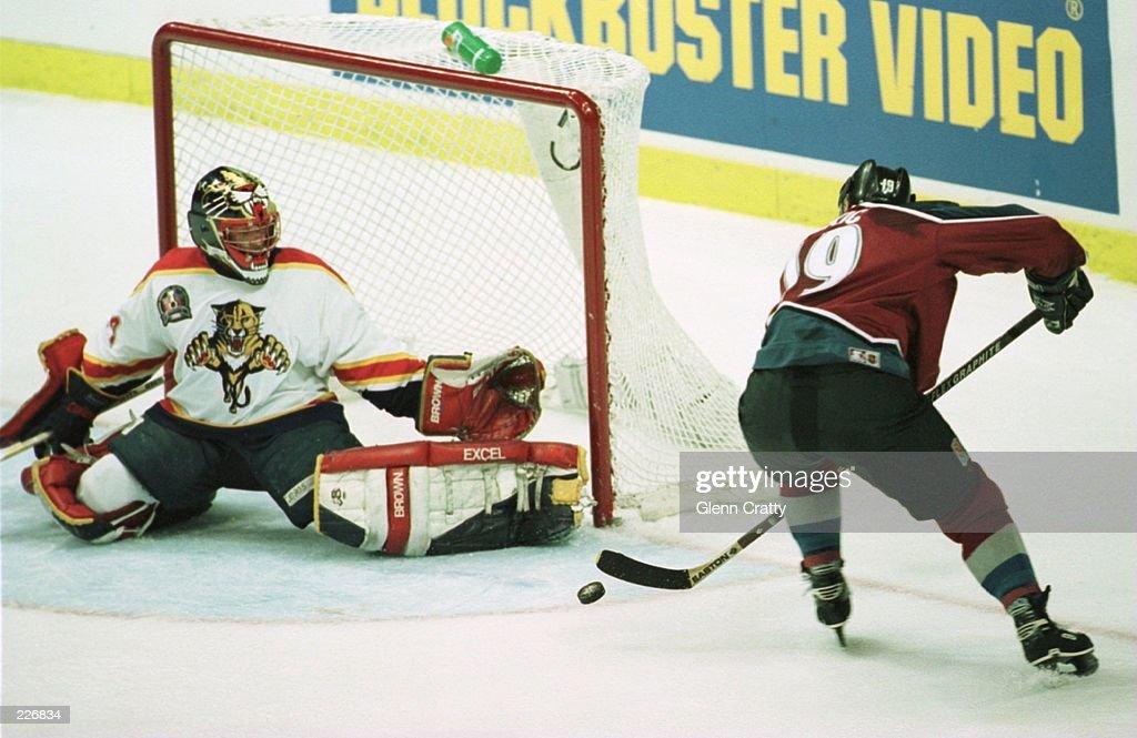 Avalanche v Panthers : News Photo