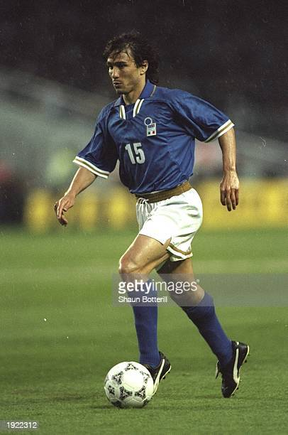 Antonio Benarrivo of Italy in action during the Tournoir De France match against England in Montpellier France England won the match 20 Mandatory...