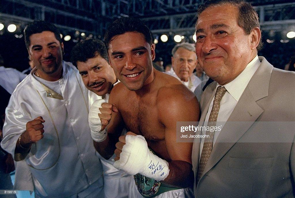 Oscar De La Hoya : News Photo