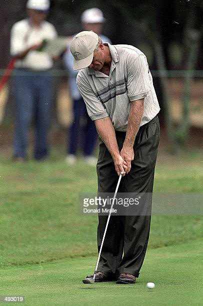 Greg Norman putts during the US Open at Pinehurst in Pinehurst North Carolina Mandatory Credit Donald Miralle /Allsport