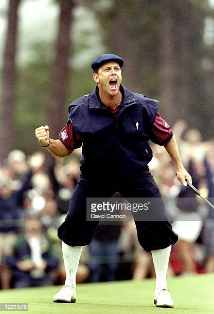 Payne Stewart of the United States celebrates victory during the last day of the 1999 US Open played on the number two course at Pinehurst in North...