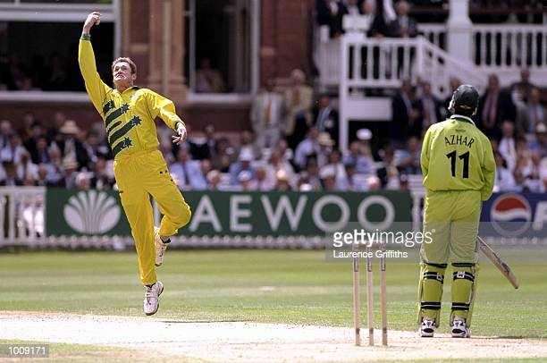 Tom Moody of Australia catches Azhar Mahmood of Pakistan in the Cricket World Cup Final at Lord's in London Australia won by 8 wickets Mandatory...