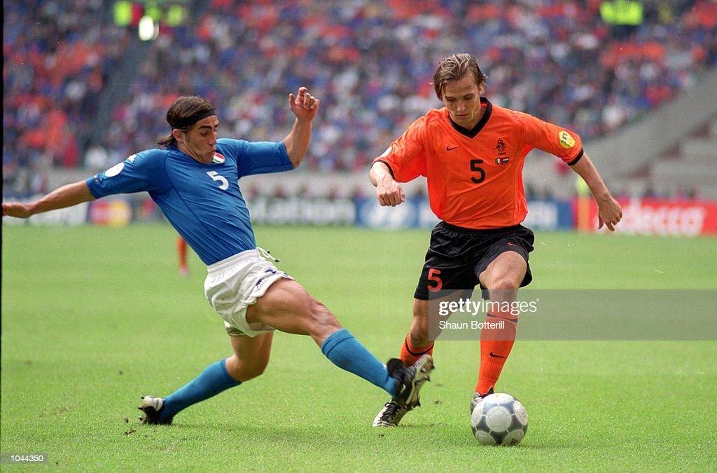 Boudewijn Zenden, Fabio Cannavaro : News Photo
