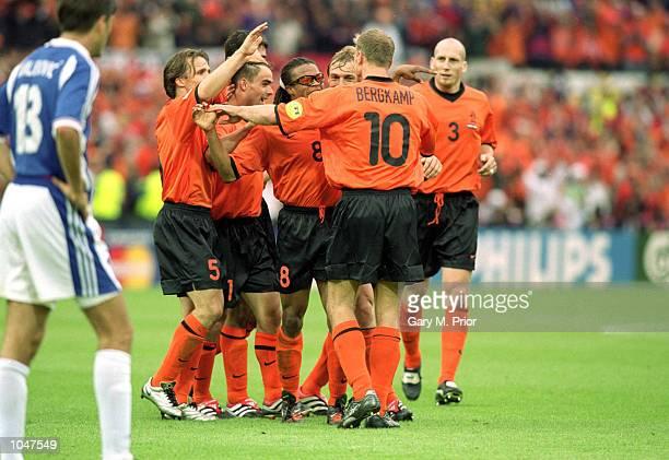 Holland players celebrate during the European Championships 2000 Quarter Finals match against Yugoslavia at the De Kuip Stadium, Rotterdam, Holland....