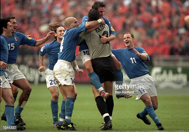 Italy celebrating reaching the final after the European Championships 2000 Semi Final against Holland at the Amsterdam ArenA, Amsterdam, Holland. The...