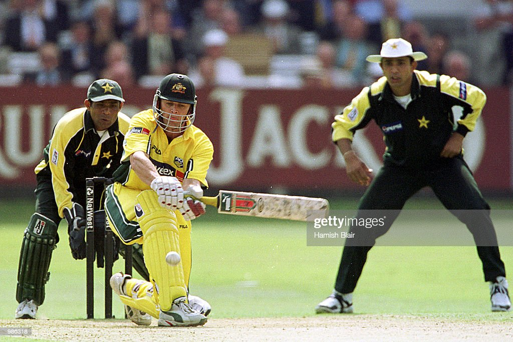 Adam Gilchrist of Australia sweeps the ball during the Natwest Triangular Series Final between Australia and Pakistan played at Lord's Cricket Ground, London. Mandatory Credit: Hamish Blair/ALLSPORT