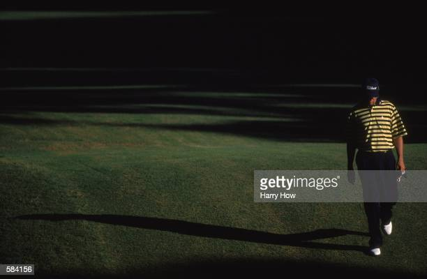 Davis Love III walks to the next tee during the 101st US Open at the Southern Hills Country Club in Tulsa OklahomaMandatory Credit Harry How /Allsport