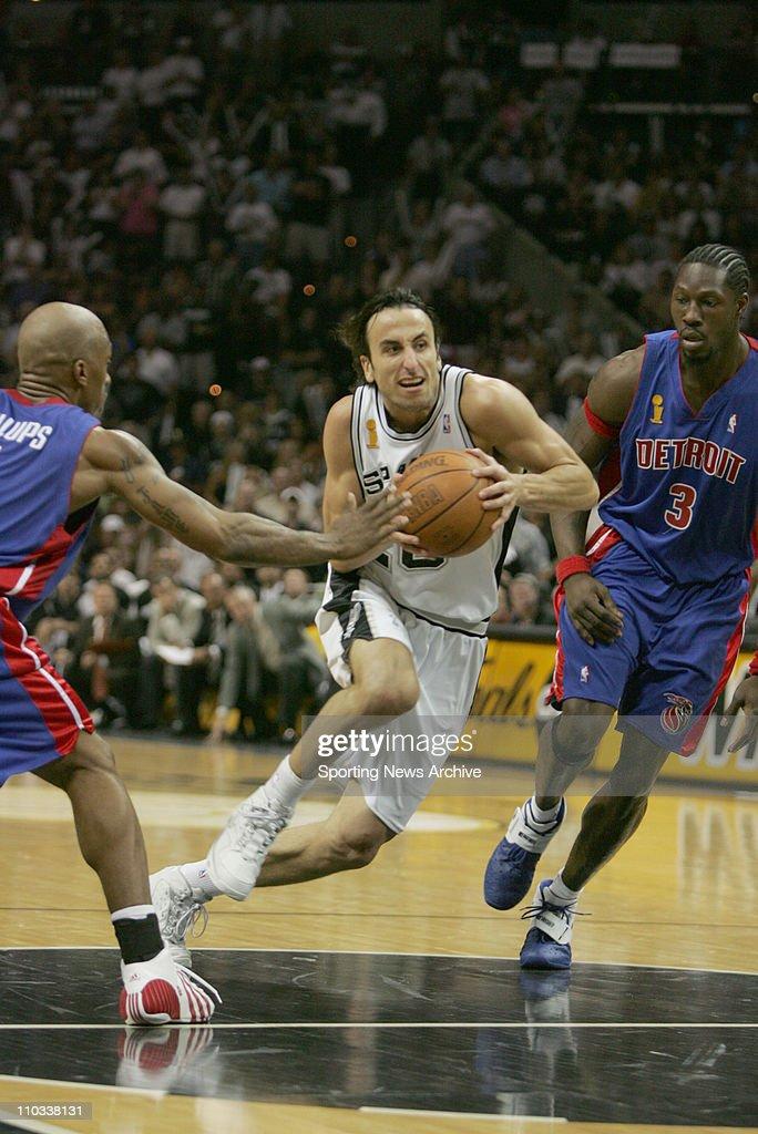 Sporting News NBA Basketball Collection : News Photo