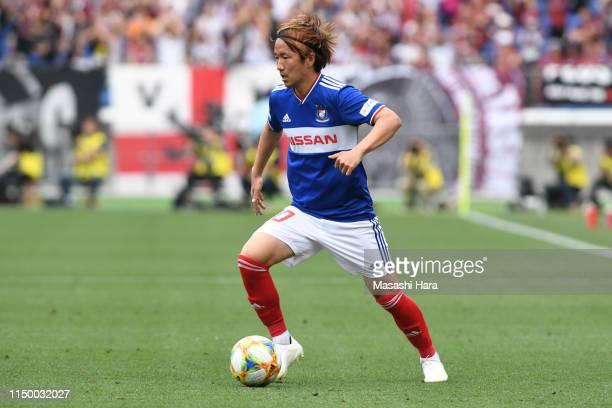 Jun Amano of Yokohama F.Marinos in action during the J.League J1 match between Yokohama F.Marinos and Vissel Kobe at Nissan Stadium on May 18, 2019...