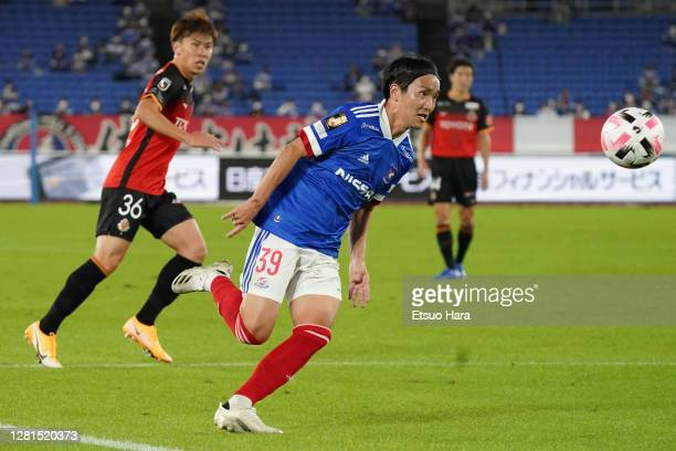 Jun Amano of Yokohama F.Marinos in action during the J.League Meiji Yasuda J1 match between Yokohama F.Marinos and Nagoya Grampus at Nissan Stadium...