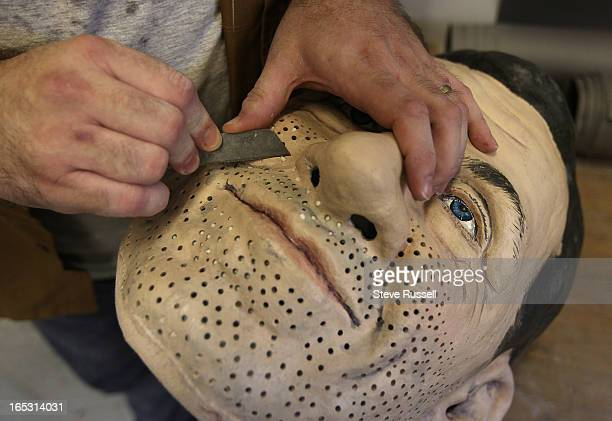 June 17, 2010 Ted Heeley is the sculptor who is fixing the G20 heads and rushing to modify the head of the former prime minister of Japan to look...
