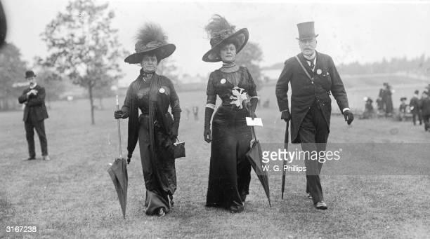 Baroness Rosencrantz and Mrs Frank Mackey at Black Ascot.