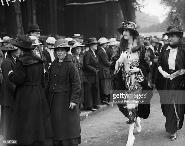 Poet novelist and amateur gardener Vita Victoria Mary Nicolson known professionally as Victoria Mary SackvilleWest attends the wedding of Lady Diana...