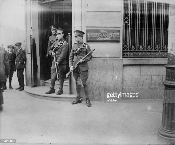 British soldiers patrolling the streets of Dublin during the Siege of the Four Courts the headquarters of the antiTreaty Republicans during the Irish...