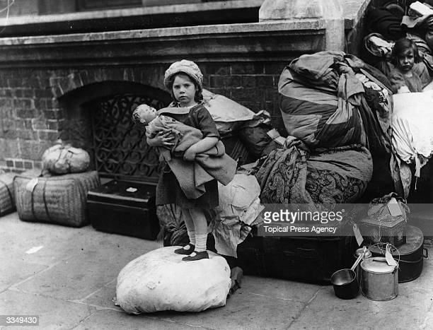 Catholic children from Belfast are relocated in Dublin during the Irish Civil War