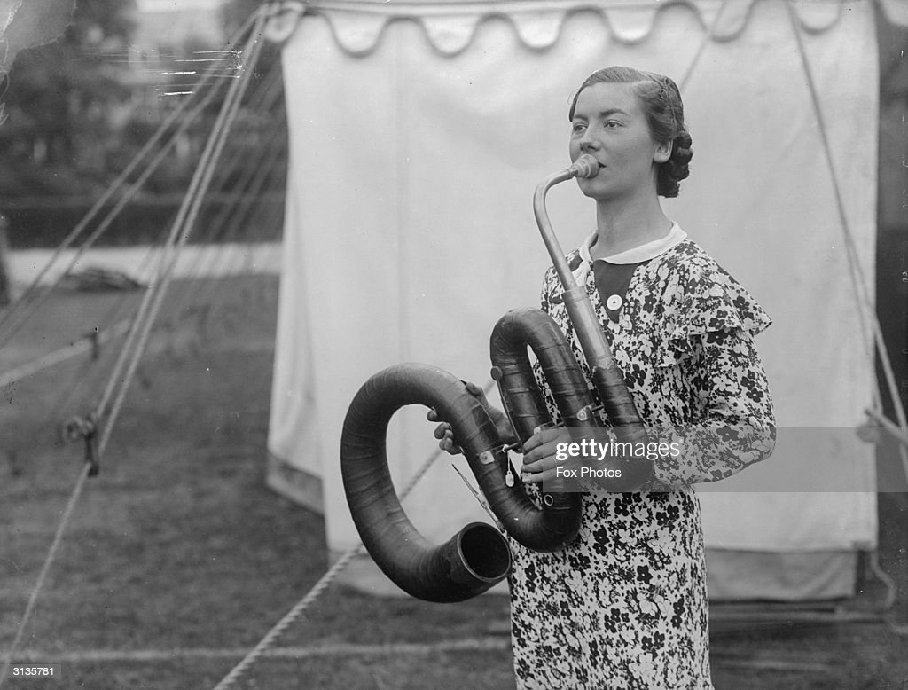 Old-Fashioned Music : News Photo