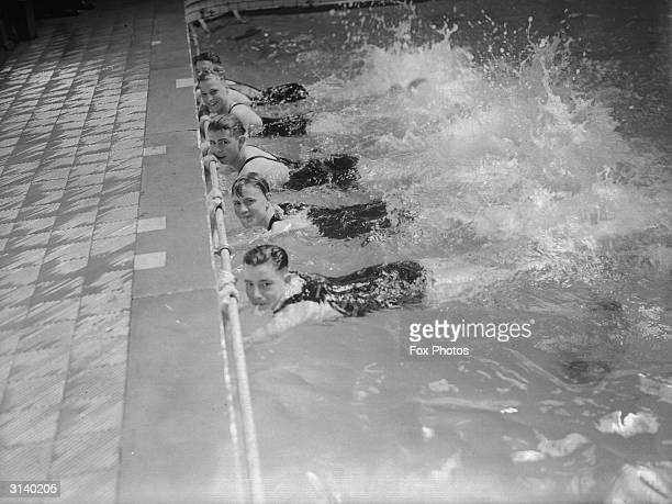 Hounslow swimming team in the swimming pool
