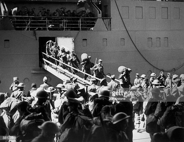 Soldiers from the British Expeditionary Force returning from France after the evacuation of Dunkirk