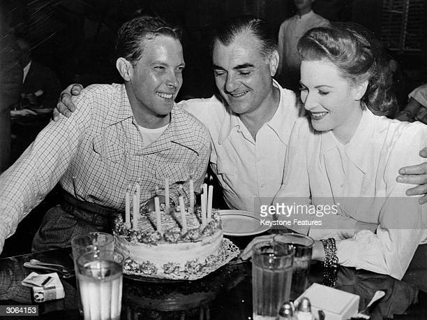Comic actor Dick Haynes celebrates his birthday at the 20th Century Fox studios California in the company of actress Maureen O'Hara and producer...