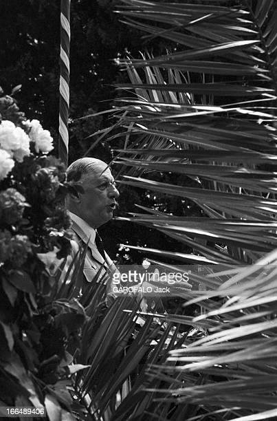 June 1959 Official Visit Of Charles De Gaulle In Italy Juin 1959 Italie Lombardie lors de sa visite portrait parmi la végétation du général DE GAULLE...