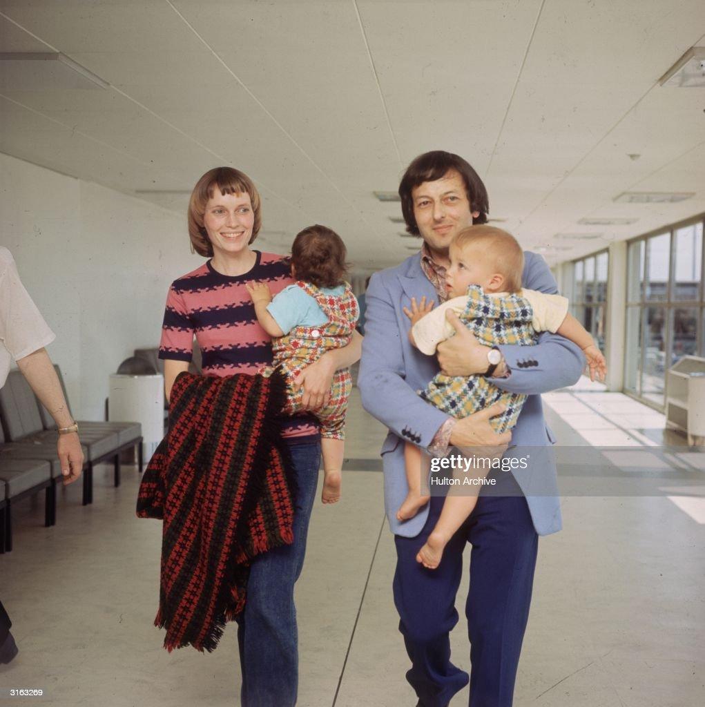 Farrow's Family : News Photo