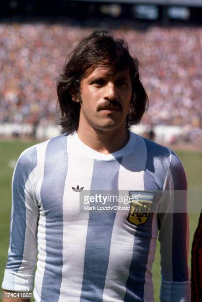 02 June 1979 International football Scotland v Argentina Argentinian striker Leopoldo Luque before the match