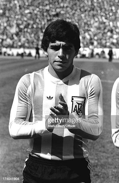 02 June 1979 International football Scotland v Argentina Diego Maradona applauds after the Argentinian anthem