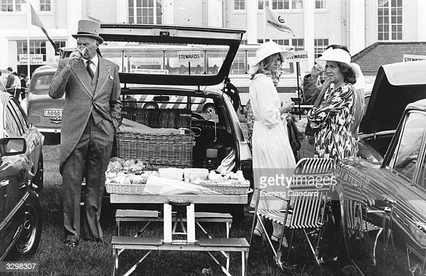 Picnic time by the cars at Ascot race course