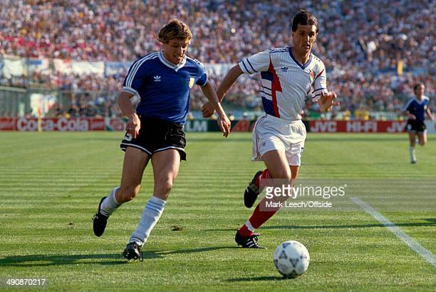 30 June 1990 Fifa World Cup Quarter Final Yugoslavia v Argentina Faruk Hadzibegic of Yugoslavia tries to keep up with Claudio Caniggia of Argentina