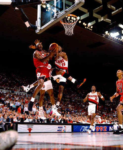 Portland Trail Blazers Roster 1992: Chicago Bulls V Portland Trail Blazers Pictures