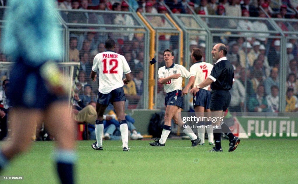 Sweden v England : Gary Lineker throws the captain armband to Carlton Palmer as he is substituted by England manager Graham Taylor (photo by Mark Leech / Getty Images).