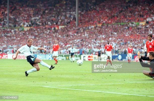 June 1996 - Euro 96 - Group Stage - Netherlands v England - Alan Shearer of England shoots. -
