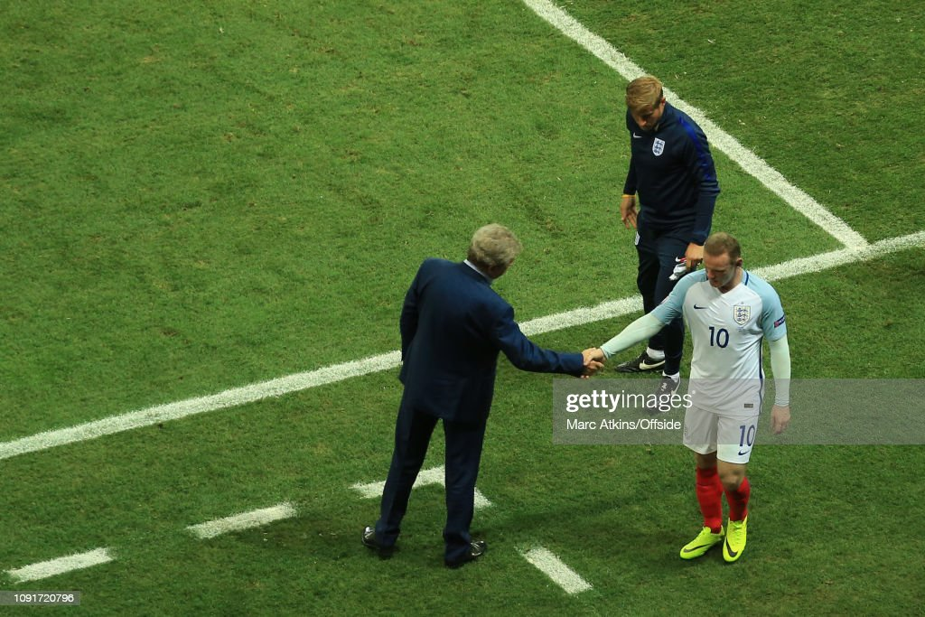 Football - UEFA EURO 2016 - Round of 16  - England v Iceland : News Photo