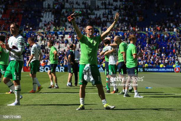 26 June 2016 UEFA EURO 2016 Round of 16 France v Republic of Ireland Robbie Keane of Republic of Ireland acknowledges the fans