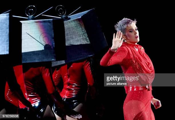 "June 2018, Germany, Berlin: US American singer Katy Perry performs at the Mercedes-Benz Arena during her ""Witness"" Tour. Photo: Britta Pedersen/dpa"