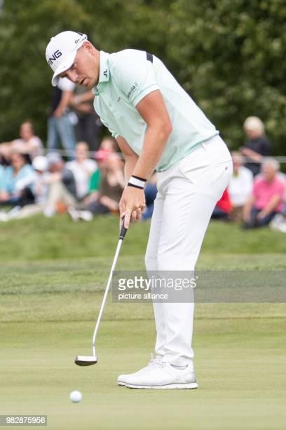 24 June 2018 Germany Pulheim Golf Europe Tour International Open Singles Men 4th Round English golfer Matt Wallace putting a ball Photo Marcel...