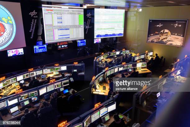 June 2018, Germany, Wessling: Scientists of the aerospace control centre follow the rocket launch of ESA astronaut Alexander Gerst to the...
