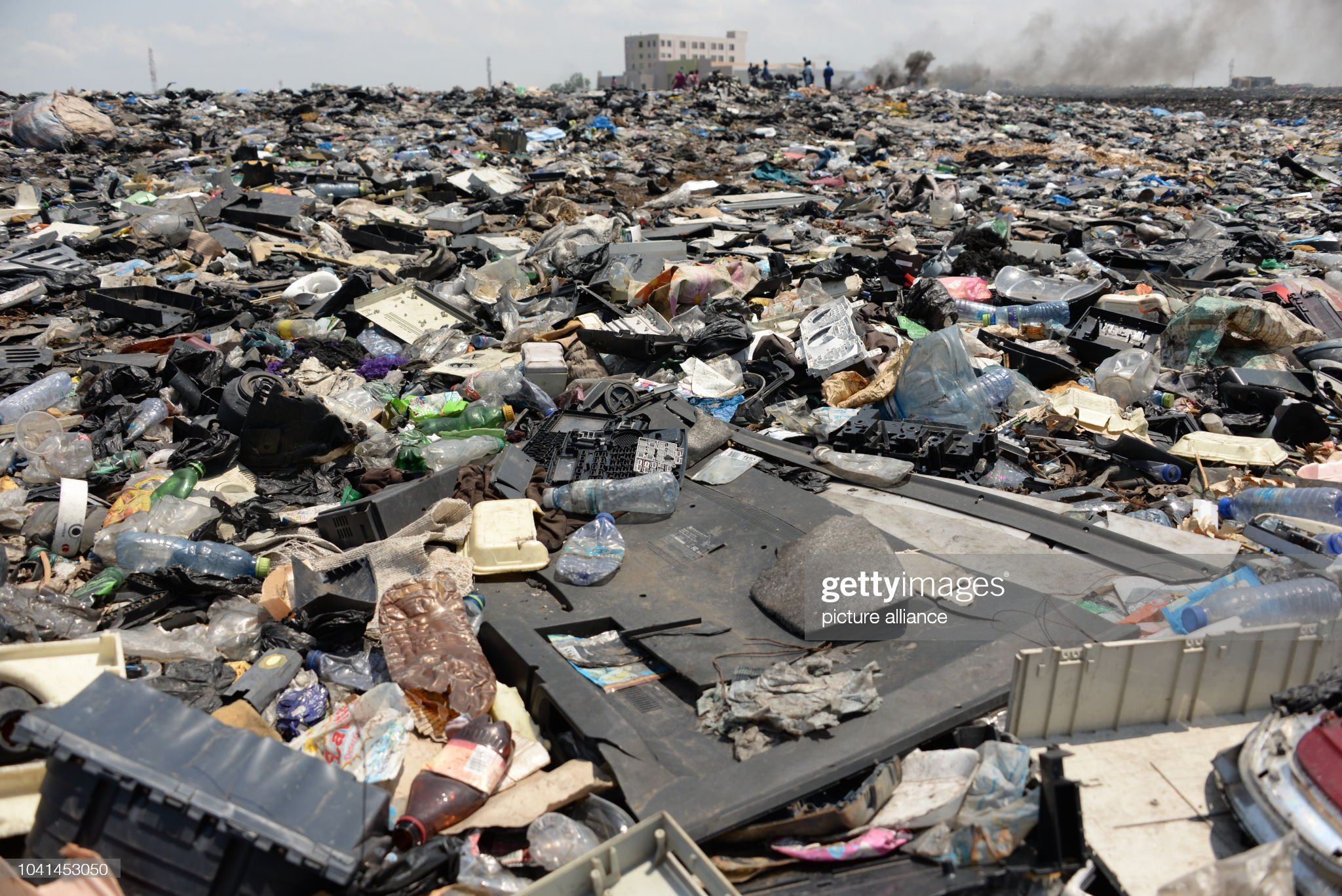june-2018-ghana-accra-in-the-open-space-behind-the-scrap-yard-of-picture-id1041453050