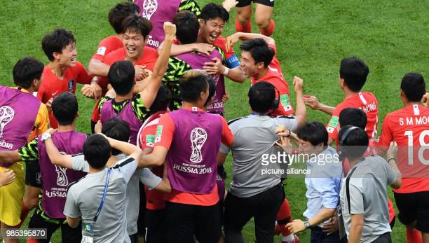 Soccer FIFA World Cup group F preliminary Germany vs South Korea at the KazanArena The South Korean team celebrates its 20 victory with trainer...