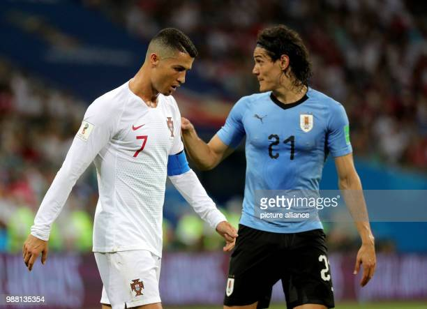 Fußball Football World Cup Uruguay vs Portugal at the Fisht Stadium Edinson Cavani of Uruguay and Cristiano Ronaldo of Portugal Photo Christian...